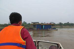 Đóng luồng sông Hồng qua Hà Nội thi công ống ngầm