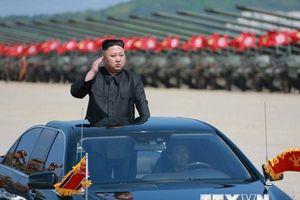 Triều Tiên dường như đang thực hiện chính sách 'Cây gậy và củ cà rốt'