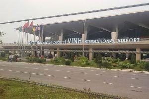 Sân bay Vinh 'tê liệt' vì máy bay Vietnam Airlines gặp trục trặc nằm giữa đường băng