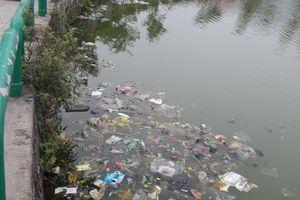 Huế: Hồ Kiểm Huệ bị 'bức tử' bởi quán nhậu