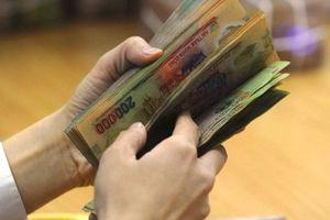 Bắt tạm giam chuyên viên Chi cục thuế chiếm đoạt tiền của dân