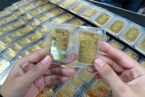 Lực bán tăng, giá vàng, USD cùng giảm