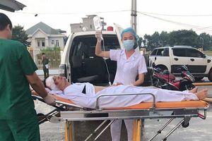 Lật xe túc túc ở Quan Lạn, nhiều khách du lịch bị thương