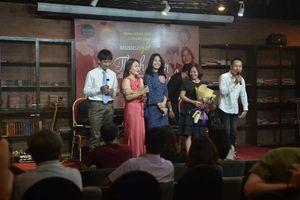 Đêm nhạc 'Thanh xuân của tụi mình': Khi luật sư đi hát, nhà buôn nhớ nghề