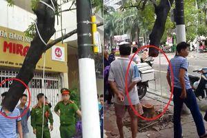 Clip: Hiện trường oái oăm vụ kẻ gian cưa trộm cây sưa đỏ trên phố Hà Nội