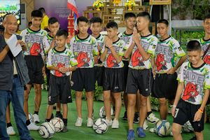 Sự thật bất ngờ khi bị kẹt trong hang Tham Luang của đội bóng nhí Thái Lan
