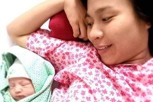 18 tiếng đau vật vã và hành trình đi đẻ 'gian nan hơn tưởng tượng' của mẹ 8X tại BV Phụ sản Hà Nội