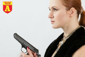 Chân dung nữ điệp viên xinh đẹp Nga bị Mỹ cáo buộc 'gạ tình lấy việc'