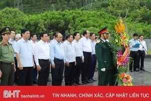 Thủ tướng Chính phủ Nguyễn Xuân Phúc dâng hương cố Tổng Bí thư Hà Huy Tập