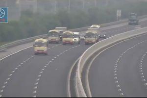 Truy phạt 3 xe khách 'diễu hành' trên cao tốc Hà Nội-Hải Phòng