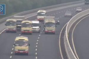 Yêu cầu xử lý 3 xe khách dàn hàng ngang trên cao tốc Hà Nội - Hải Phòng