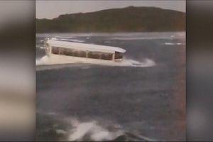 Vụ chìm tàu 17 người thiệt mạng tại Mỹ: Thuyền trưởng nói không cần mặc áo phao