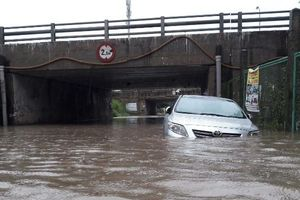Hà Nội: CSGT thông tin về tình hình giao thông ngày ngập lụt