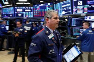 Chiến tranh thương mại phủ bóng, chứng khoán Mỹ giảm điểm