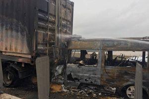 Hiện trường xe ô tô đâm container cháy bùng trên cao tốc Long Thành làm 2 người chết