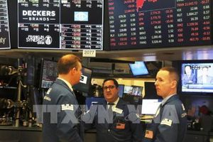 Dow Jones và S&P 500 ghi nhận tuần đi lên thứ ba liên tiếp
