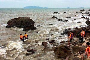 Ba thanh niên gặp nạn khi tắm biển, 2 người chết và mất tích