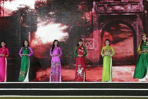 38 thí sinh Chung khảo phía Bắc HHVN khoe sắc trong trang phục áo dài