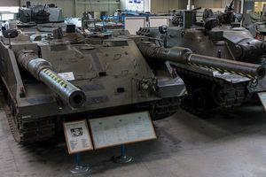 Xe tăng hai nòng không tháp pháo siêu kỳ lạ của Quân đội Đức