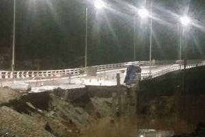 Hải Phòng: Cầu Đăng mới khánh thành đã sạt đường dẫn