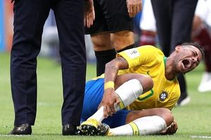 Neymar chưa biết ngã, đừng mong so sánh với Ronaldo hay Messi