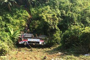 Xe khách lao xuống vực trên QL3: 4 người chết, 15 người bị thương