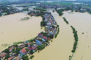 Hơn 100 hộ dân thôn Bùi Xá, huyện Chương Mỹ vẫn bị nước lũ cô lập