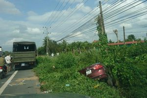 Tai nạn nghiêm trọng ô tô tông xe máy, 2 người tử vong tại chỗ