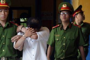 Vụ án 7 lần trả hồ sơ: Bắt giam bị cáo tại tòa