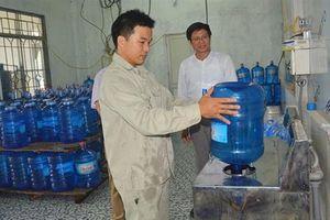 15 doanh nghiệp bị phạt vì vi phạm chất lượng nước đóng chai, nước đá