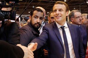 Vệ sỹ của Tổng thống Pháp hầu tòa vì hành hung người biểu tình