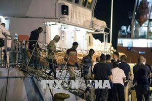 Italy nhất trí tiếp nhận người di cư được cứu trên biển