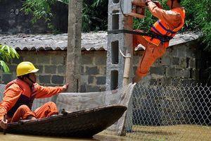 Hà Nội: Còn 969 hộ dân chưa đủ điều kiện để tái cấp điện sau mưa lớn
