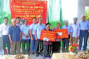 Hỗ trợ xây nhà tình nghĩa, tặng sổ tiết kiệm cho gia đình thân nhân liệt sỹ ở Quỳnh Lưu