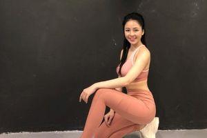 Bị nghi tân trang vòng 1, hot girl Trâm Anh đáp trả: 'Kém miếng khó chịu à?'