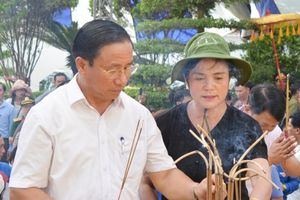 Tưởng niệm 50 năm ngày mất của 10 liệt nữ TNXP Ngã ba Đồng Lộc