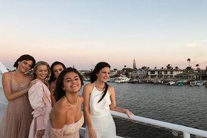 Selena đón sinh nhật thứ 26 trên du thuyền sang chảnh