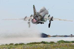 Israel bắn rơi máy tiêm kích Syria, một phi công thiệt mạng