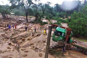 Kỹ sư người Việt tại nhà máy thủy điện Lào kể lại giây phút vỡ đập