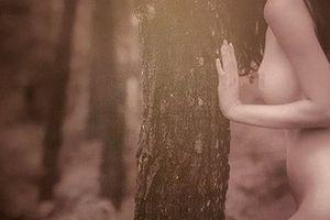 Những bức ảnh gây tranh cãi nhất triển lãm nude 'chính thống' đầu tiên ở Hà Nội