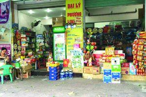 Cửa hàng bán lẻ truyền thống càng lo, người tiêu dùng càng mừng!