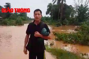 PV Báo Giao thông tại tâm lụt vỡ đập thủy điện ở Lào