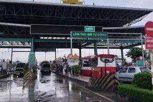 BOT Mỹ Lộc phải xả trạm vì tài xế tập trung phản đối thu phí