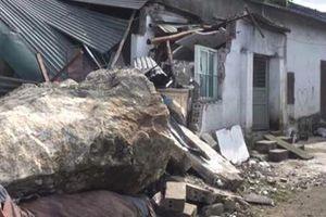 Hi hữu: Đang ngủ trong nhà, nam thanh niên bị tảng đá đè tử vong