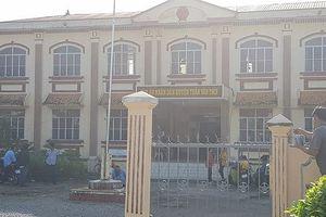 Vụ cô giáo ở Cà Mau kiện đòi bồi thường danh dự lại hoãn vì thay đổi chủ tọa