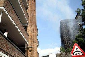Lại cháy chung cư tại thủ đô London của Anh