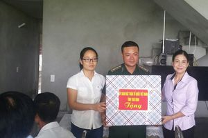 Trao tặng nhà 'Mái ấm chiến sỹ' cho quân nhân có hoàn cảnh khó khăn