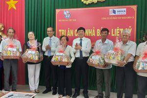 Hội Nhà báo Việt Nam tặng quà tri ân gia đình Nhà báo liệt sĩ