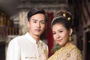 Chú rể bỏ trốn trong ngày cưới, cô dâu khóc nức nở xin lỗi quan khách