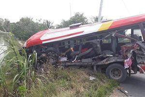 Va chạm xe khách kinh hoàng ở tuyến tránh Cai Lậy, 3 người tử vong